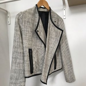 Light weight Dex blazer with leather trim